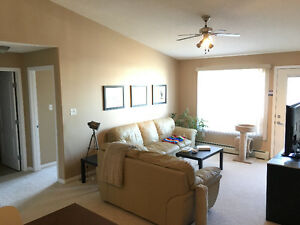 STUNNING 2Bed/2Bath Condo for Rent in Terwillegar