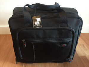 Victorinox wheeled delux business case