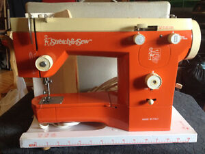 Stretch and Sew sewing machine - excellent working condition.