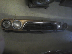 73 CHALLENGER FRONT CLIP VERY GOOD CONDITION 200. CALL 705 322 6