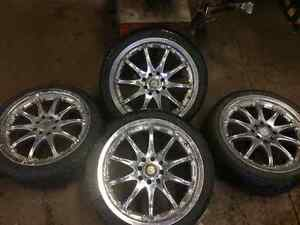 Beauty chrome rims 17inch on low pros