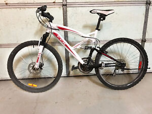 Almost New CCM Bicycle Bike - Very good condition (new is $400)