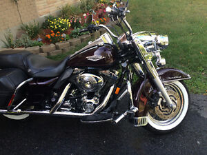 LOW MILEAGE Harley Davidson 2005 Road King Classic