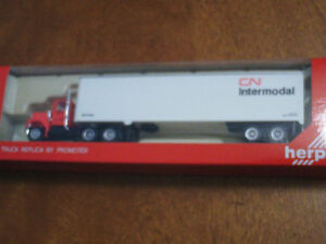 HO scale CN Intermodal tractor trailer