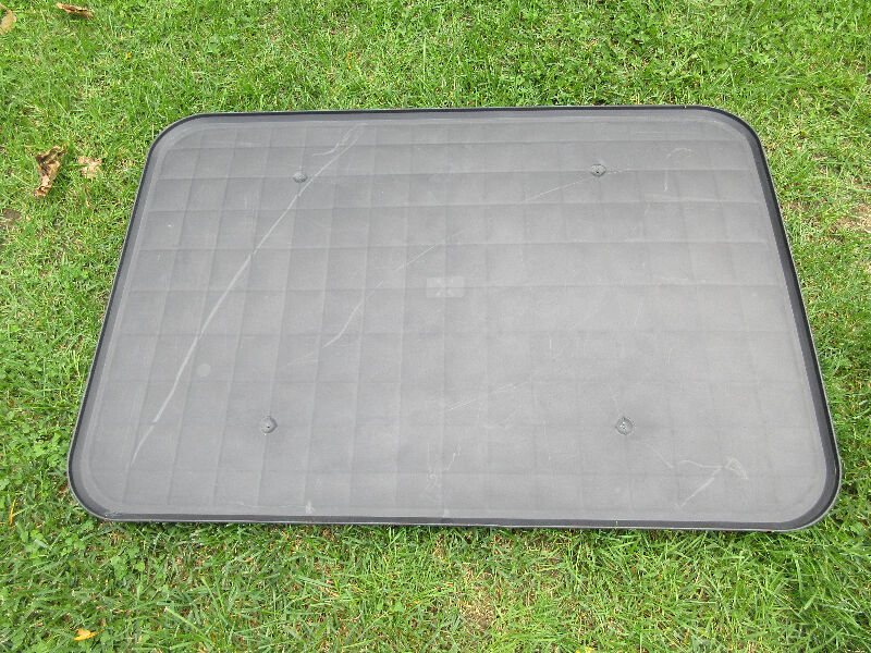 Dog crate liner tray mint condition accessories for Dog kennel liner