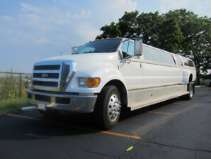 REDUCED - 2008 F650 MAMMOTH MEGA STRETCH LIMOUSINE