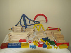 FOR SALE SOME TRACKS AND TRAIN PIECES THOMAS THE TANK ENGINE