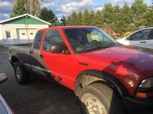 prend échange contre jeep tj ou pickup plus gros Saguenay Saguenay-Lac-Saint-Jean image 1