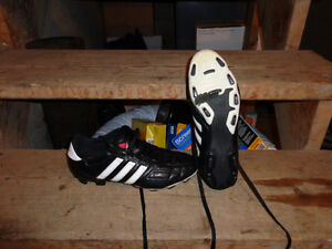 Chaussures soccer ADIDAS taille 8