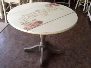 Country chic drop leaf table