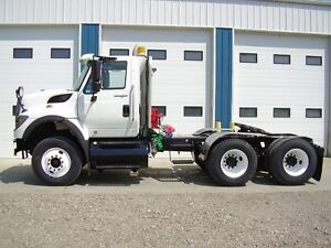 LOW KMS 09 Int'l 7600 Daycab  AUTO THIS WEEK'S HOT DEAL NEW $$$