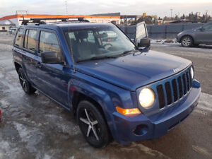 2010 Jeep Patriot SUV, 4x4, auto, CLEAN, only115,000 km.