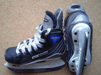 Nike Bauer Supreme 30 ice skates, size 9 youth for shoe size 10