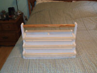 PORTABLE TOLE PAINT HOLDER / CARRIER AND BOOKS