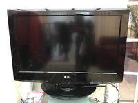 "32"" LG LCD TV / 19"" Matsui LCD TV"