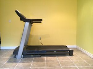 HORIZON TREADMILL FOR $325 ONLY - LIKE BRAND NEW