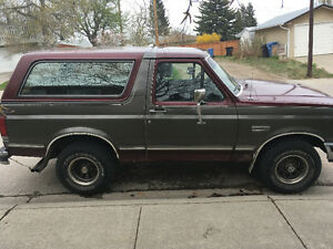 1990 Ford Bronco Xlt SUV, Crossover