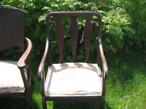 ANTIQUE SETEE AND CHAIR Kawartha Lakes Peterborough Area image 3