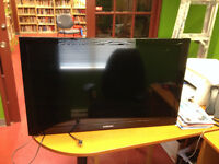 Samsung flat LCD TV (model LN40E550)