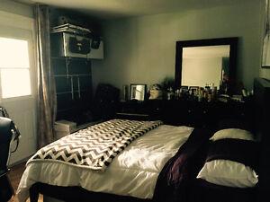 Belle chambre dans 5 et demi métro Cdn (5mn) ET côteSte cath