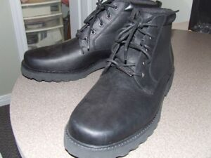 BRAND NEW ROCKPORT RUGGED BOOTS SIZE13