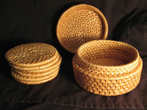 VINTAGE HANDMADE WICKER STRAW WOVEN  COASTER SET of 6 Coasters