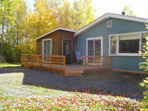 3 Bedroom Cottage,Large private lot,water access,screen house