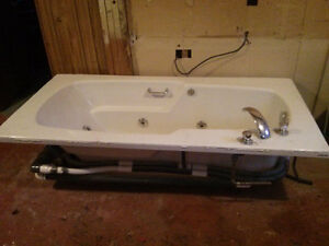Jetted 6ft bath tub $125 OBO