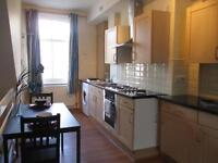2 bedroom flat in 180A Woodhouse Lane
