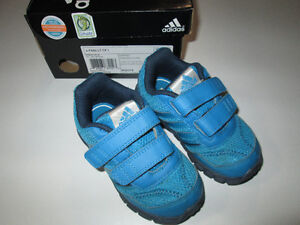 Todder size 7 Adidas Running shoes, EUC