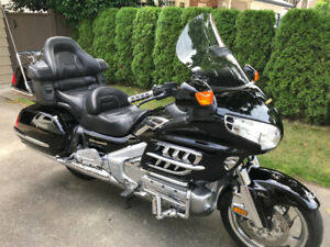2002 Gold Wing GL1800 excellent condition