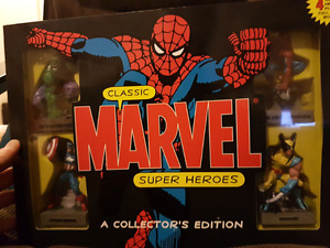 4 statue Marvel Set with Book unopened