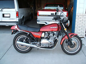 1982 Suzuki GS750E Red (see the pic)