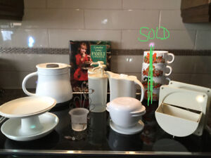 Tupperware & Kitchen Items / New & Gently Used
