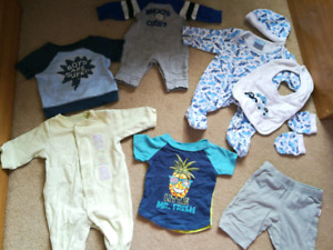 Lot of newborn baby boy clothes -  like new