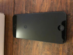 iPhone 5 16GB (Perfect Condition)