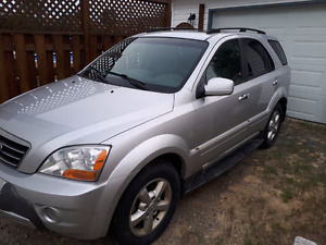 Low mileage 4000$ price to sell