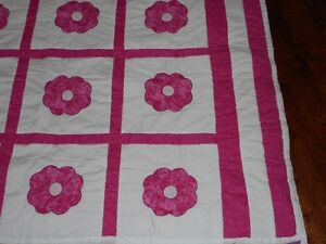 queen size hand stitched quilt Peterborough Peterborough Area image 1
