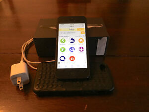 iPhone 5 telus - great condition