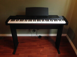 "Roland ""ep-7II"" Digital Piano / Keyboard"