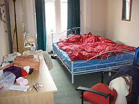 Double room in Marchmont available to rent from September. Students welcome. Strictly non-smoking