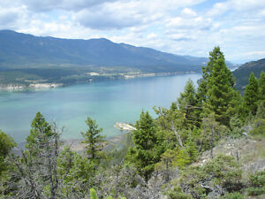 BC Rockies Townhouse close to 4 lakes & Invermere $119,900.-