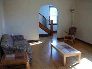 VERY LARGE - Ecole Odyssee,! In town! Quiet area! Furnished or u