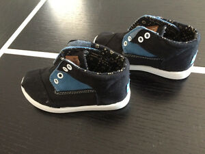 Souliers TOMS Botas Blue Black NEW NEUF
