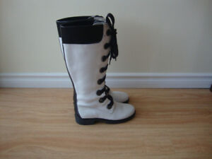 Timberland  New Women's White  Leather Boots Size 7M