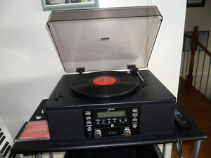 TURNTABLE + CD RECORDING/PLAYER