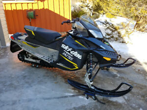 2015 Skidoo mxz 600 sport ...single or two up