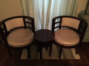 Brand new tub chairs & table for sale!!
