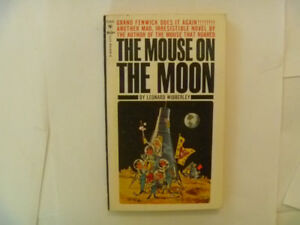 THE MOUSE ON THE MOON by Leonard Wibberley - 1963 Paperback