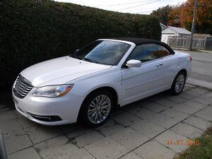 2011 Chrysler Autre Touring Cabriolet